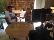 Ο Γιώργος μαζί με την Μαρκέλλα κατά τη διάρκεια της συνέντευξής τους για το Travel Girl. Φωτογραφία: markellasharaiha Instagram
