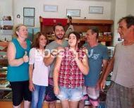 """Οικογενειακή φωτογραφία του Γιώργου στον Φούρνο """"Ντάνος"""" στη Σκιάθο - 12 Αυγούστου 2017 Φωτογραφία: gossip gr"""