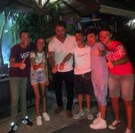 Ο Γιώργος μαζί με μικρούς φανς στο Avanti Cafe-Bar στις 9 Σεπτεμβρίου 2017 Φωτογραφία: lydia_ssinni Instagram