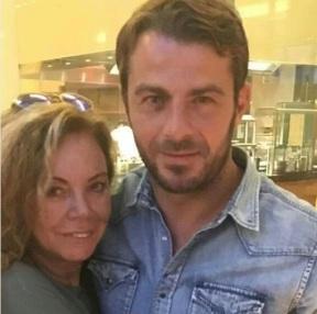 """""""Συνάντηση για κάποιο λόγο........ Σοβαρός συνεσταλμένος και πιο όμορφος από κοντά! !!!"""" - 25 Αυγούστου 2017 Φωτογραφία: eleni.dimou Instagram"""