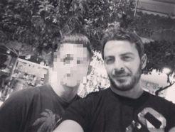 Ο Γιώργος μαζί με φαν στο Avanti Cafe-Bar στις 7 Σεπτεμβρίου 2017 Φωτογραφία: kwstas_paliouras Instagram