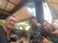 Ο Γιώργος με φίλους στο Avanti Cafe-Bar - 25 Αυγούστου 2017 Φωτογραφία: apostolosiakovakis Instagram