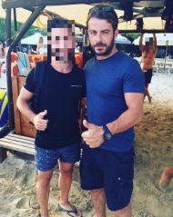 Ο Γιώργος με φαν στη Σκιάθο - 22 Αυγούστου 2017 Φωτογραφία: aris_stergiou Instagram