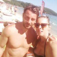 Ο Γιώργος με φαν στη Σκιάθο - 14 Αυγούστου 2017 Φωτογραφία: mpia_golna Instagram
