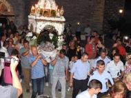 Ο Γιώργος κατά την περιφορά του Επιταφίου στην Ιερά Μονή Ευαγγελισμού της Θεοτόκου στη Σκιάθο - 14 Αυγούστου 2017 Φωτογραφία: Skiathostv Facebook