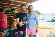 Ο Γιώργος στη Σκιάθο με φαν ανήμερα του 15Αυγούστου Φωτογραφία: poroutsidis Instagram