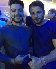 Ο Γιώργος με φαν στο Akanthus, όπου διασκέδασε στον Ηλία Βρεττό - 31 Αυγούστου 2017 Φωτογραφία: stavroulakis_vasillis Instagram