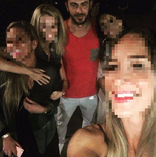 """Ο Γιώργος με φανς στο """"Κουτούκι του Καλλίνικου"""" στην Καισαριανή - 30 Αυγούστου 2017 Φωτογραφία: tsak_ale Instagram"""