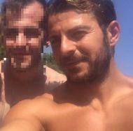 Ο Γιώργος με φαν στη Σκιάθο στις 19 Αυγούστου 2017 Φωτογραφία: xrhstosntosths Instagram