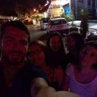 Ο Γιώργος με φανς κατά τη βραδινή του έξοδο στο Enzzo Club Stage στις 29 Αυγούστου 2017 Φωτογραφία: mariageli_a Instagram