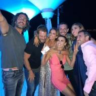 Ο Γιώργος με συμπαίκτες του στο πάρτι του Survivor στο Grand Beach Λαγονήσι - 6 Ιουλίου 2017 Φωτογραφία: sofipasxali Instagram