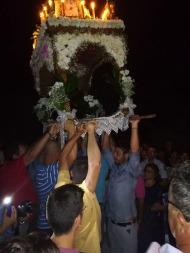 Ο Γιώργος κατά την περιφορά του Επιταφίου στην Ιερά Μονή Ευαγγελισμού της Θεοτόκου στη Σκιάθο - 14 Αυγούστου 2017 Φωτογραφία: Πρώτο Θέμα