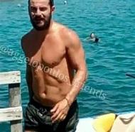 Ο Γιώργος κατά τη διάρκεια του γυρίσματος του διαφημιστικού για τη Hawaiian Tropic - 10 Αυγούστου 2017 Φωτόγραφία: giorgos_aggelopoulos_friends Instagram