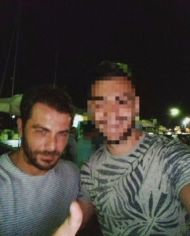 Ο Γιώργος στην Σκιάθο μαζί με φαν - 11 Αυγούστου 2017 Φωτογραφία: g_vol94 Instagram