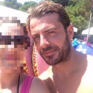 Ο Γιώργος με φαν στη Σκιάθο στις 14 Αυγούστου 2017 Φωτογραφία: Sophia Bogri Facebook