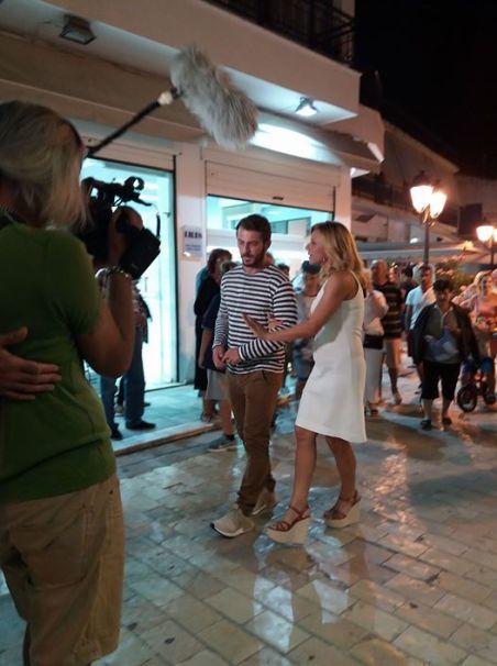 """Ο Γιώργος μαζί με την Κατερίνα στη Σκιάθο κατά τη διάρκεια της συνέντευξής του για την εκπομπή """"Στη φωλιά των Κου Κου"""" - 14 Σεπτεμβρίου 2017 Φωτογραφία: Roksana Veizi Facebook"""