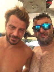 Ο Γιώργος με φαν στη Σκιάθο στις 16 Αυγούστου 2017 Φωτογραφία: Fanis- Giagkozoglou Facebook