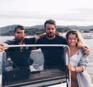 Ο Γιώργος με φίλους καθώς αναχωρεί από τη Σκιάθο - 22 Αυγούστου 2017 Φωτογραφία: eirini_ih Instagram