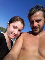 Ο Γιώργος με φαν στη Σκιάθο στις 18 Αυγούστου 2017 Φωτογραφία: Μανολις Τρελιαρις Τρελιαρις Facebook