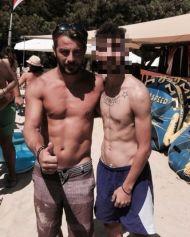Ο Γιώργος με φαν στη Σκιάθο στις 18 Αυγούστου 2017 Φωτογραφία: theovass7 Instagram