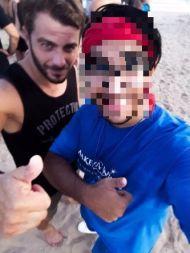 Ο Γιώργος μαζί με φαν στη Βάρκιζα όπου βρέθηκε μαζί με άλλους παίκτες του Survivor για το Make a Wish - 19 Σεπτεμβρίου 2017 Φωτογραφία: alexandros_nourtse Instagram