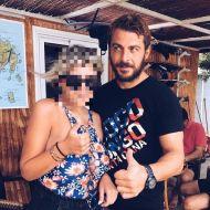 Ο Γιώργος με φαν στην Σκιάθο - 16 Ιουλίου 2017 Φωτογραφία: irenepappp Instagram