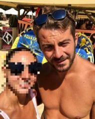 Ο Γιώργος με φαν στη Σκιάθο στις 18 Αυγούστου 2017 Φωτογραφία: koz.85 Instagram