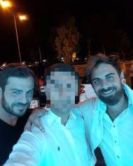 Ο Γιώργος και ο Μάριος μαζί με τον φαν στο Frangelico - 21 Σεπτεμβρίου 2017 Φωτογραφία: andreasspy Instagram