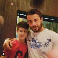 Ο Γιώργος με φαν στο Avanti Cafe-Bar στην Καισαριανή στις 21 Σεπτεμβρίου 2017 Φωτογραφία: christ_yolo Instagram