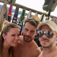 Ο Γιώργος με φανς στη Σκιάθο - 13 Αυγούστου 2017 Φωτογραφία: stathisnikol Instagram