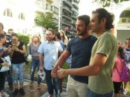 Ο Γιώργος με φανς στην πλατεία Αριστοτέλους στη Θεσσαλονίκη - 24 Σεπτεμβρίου 2017 Φωτογραφία: ΠΗΝΕΛΟΠΗ ΠΑΠΑΔΟΠΟΥΛΟΥ Facebook