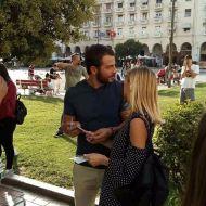 Ο Γιώργος με φαν στην Πλατεία Αριστοτέλους στις 24 Σεπτεμβρίου 2017 Φωτογραφία: Φίλια Πέτσα Facebook