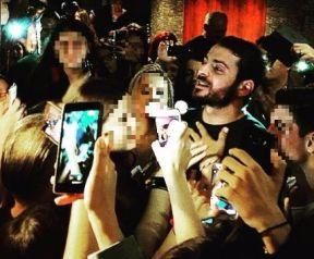 Ο Γιώργος φτάνει στον Εύοσμο Θεσσαλονίκης για τη συνάντηση με τους φανς - 24 Σεπτεμβρίου 2017 Φωτογραφία: efaki_kou Instagram