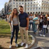 Ο Γιώργος με φαν στην Πλατεία Αριστοτέλους στη Θεσσαλονίκη - 24 Σεπτεμβρίου 2017 Φωτογραφία: giwta_tsa Instagram