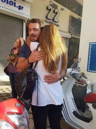 Ο Γιώργος με φαν στην Πλατεία Αριστοτέλους στις 24 Σεπτεμβρίου 2017 Φωτογραφία: Nefize Velioglou Facebook