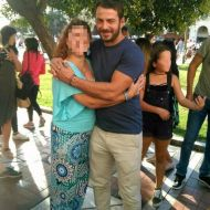 Ο Γιώργος με φαν στην Πλατεία Αριστοτέλους στις 24 Σεπτεμβρίου 2017 Φωτογραφία: vassoskg Instagram
