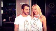 Ο Γιώργος με φαν στο Avanti Cafe-Bar στην Καισαριανή - 25 Σεπτεμβρίου 2017 Φωτογραφία: Zenia Magoula Facebook