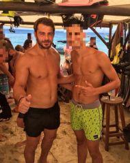 Ο Γιώργος με φαν στη Σκιάθο - 13 Αυγούστου 2017 Φωτογραφία: balanos_11 Instagram