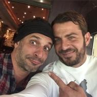 Ο Γιώργος-Ντάνος και ο Γιώργος-Χραν στο Avanti Cafe-Bar στις 29 Σεπτεμβρίου 2017 Φωτογραφία: official_danos_ga Instagram