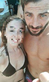 Ο Γιώργος με φαν στην Σκιάθο - 15 Ιουλίου 2017 Φωτογραφία: doxalk Instagram