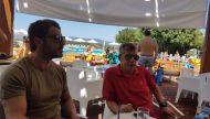 Ο Γιώργος με τον περιφερειάρχη Θεσσαλίας Κώστας Αγοραστός στη Σκιάθο - 13 Αυγούστου 2017