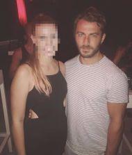Ο Γιώργος με φαν στο Kalhua Club στη Σκιάθο - 21 Αυγούστου 2017 Φωτογραφία: nadia__rapti Instagram