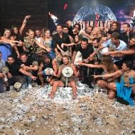 Ομαδική φωτογραφία του Γιώργου μαζί με όλους τους παίκτες του Survivor, τον Σάκη και τον Ατζούν στο θέατρο Βεΐκου - 5 Ιουλίου 2017 Φωτογραφία: gregoreszakharias Instagram