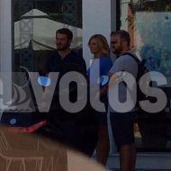 """Ο Γιώργος με την Κατερίνα Καραβάτου στη Σκιάθο κατά τη διάρκεια της συνέντευξης για την εκπομπή της """"Στη φωλιά των Κου Κου"""" - 14 Σεπτεμβρίου 2017 Φωτογραφία: e-volos"""
