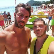 Ο Γιώργος με φαν στη Σκιάθο στις 19 Αυγούστου 2017 Φωτογραφία: mallisgeo Instagram