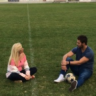 Ο Γιώργος με τη δημοσιογράφο Σπυριδούλα Τριάντου για τη συνέντευξη στα Παραπολιτικά - 11 Οκτωβρίου 2017 Φωτογραφία: kostastak Instagram