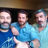 Ο Γιώργος στο Athens Art Studio με τους φωτογράφους Αλέξανδρο Βογιατζάκη και Γιώργο Μυριαγκό στις 12 Οκτωβρίου 2017 Φωτογραφία: alexandros_georgio_vogiatzakis Instagram