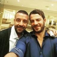 Ο Γιώργος μαζί με τον καλό του φίλο, Άκη, στην Κύπρο στις 13 Οκτωβρίου 2017 Φωτογραφία: akis.passaris Instagram