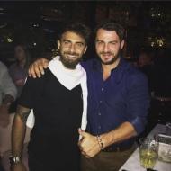 Ο Γιώργος μαζί με τον Μάριο στην Κύπρο κατά την βραδινή τους έξοδο στις 13 Οκτωβρίου 2017 Φωτογραφία: official_danos_ga Instagram
