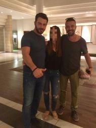 Ο Γιώργος και ο Άκης με φαν στο ξενοδοχείο Hilton Park στη Λευκωσία - 15 Οκτωβρίου 2017 Φωτογραφία: n.panayi Instagram